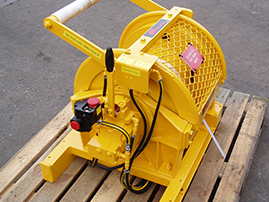 150kg-man-rider-winch-2-post-overhaul.jpg